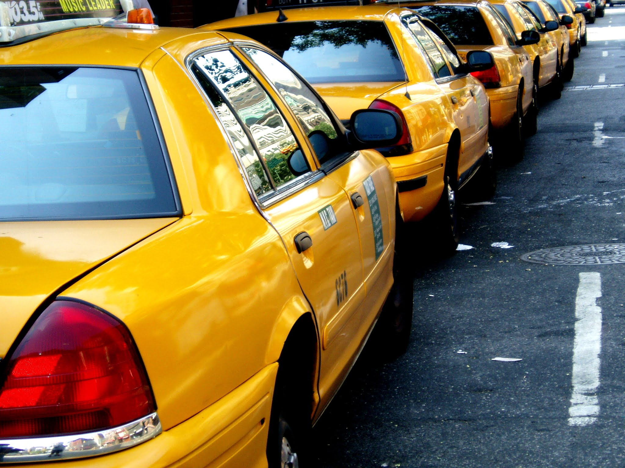 Taxis Around The World 🌏 - NYC Yellow Cabs - Dublin's Taxi App