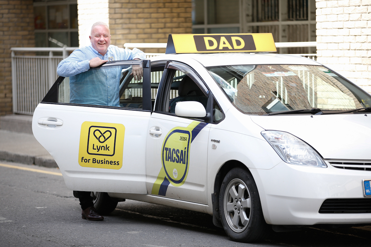 taxi driver respect campaign with lynk driver